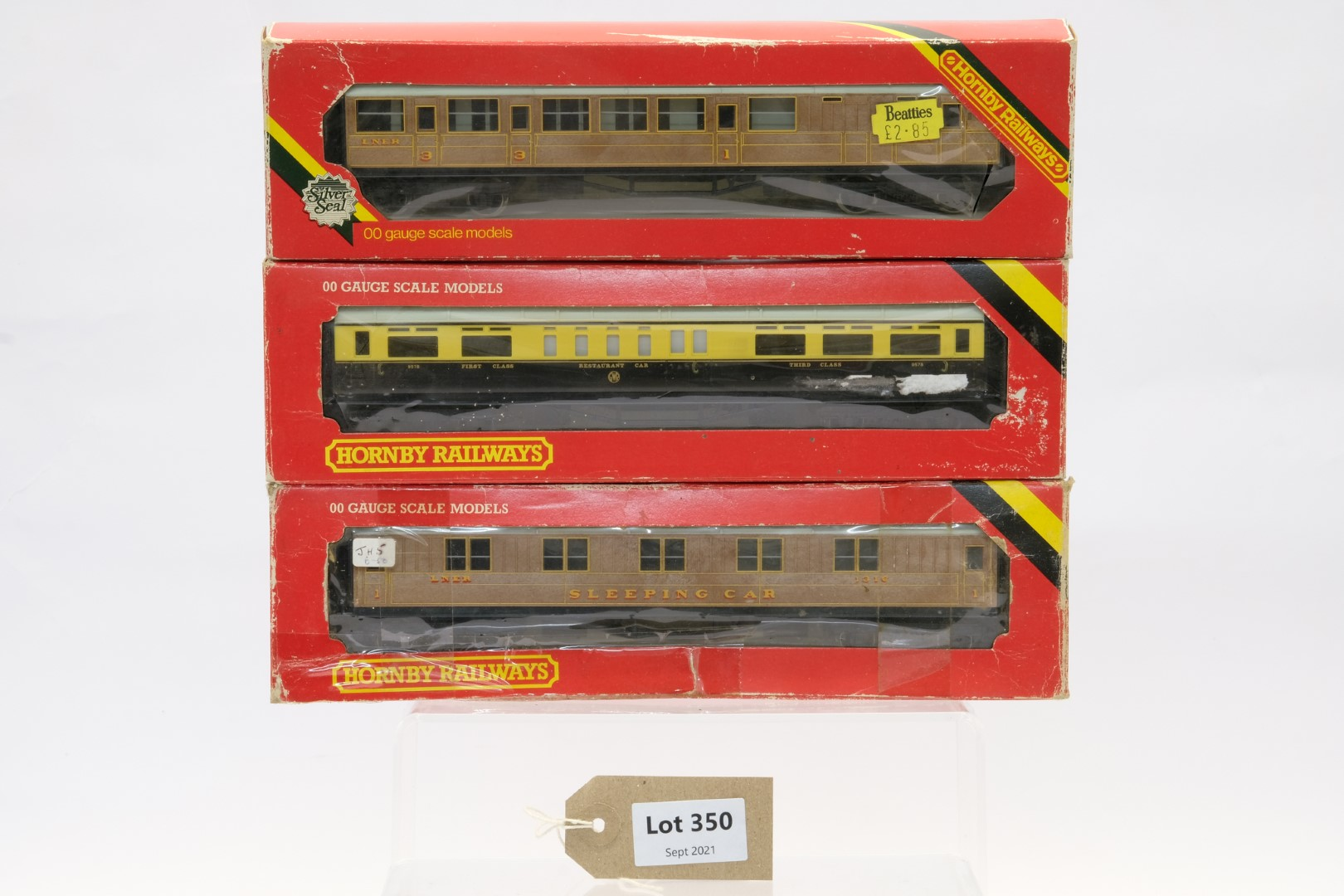 Hornby 3 Assorted Boxed Coaches