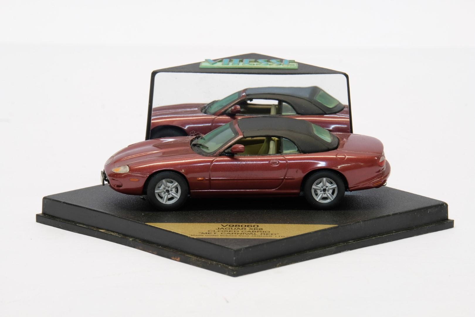 Vitesse Jaguar XK8 Closed Cabrio Met Carnival Red - Image 2 of 2