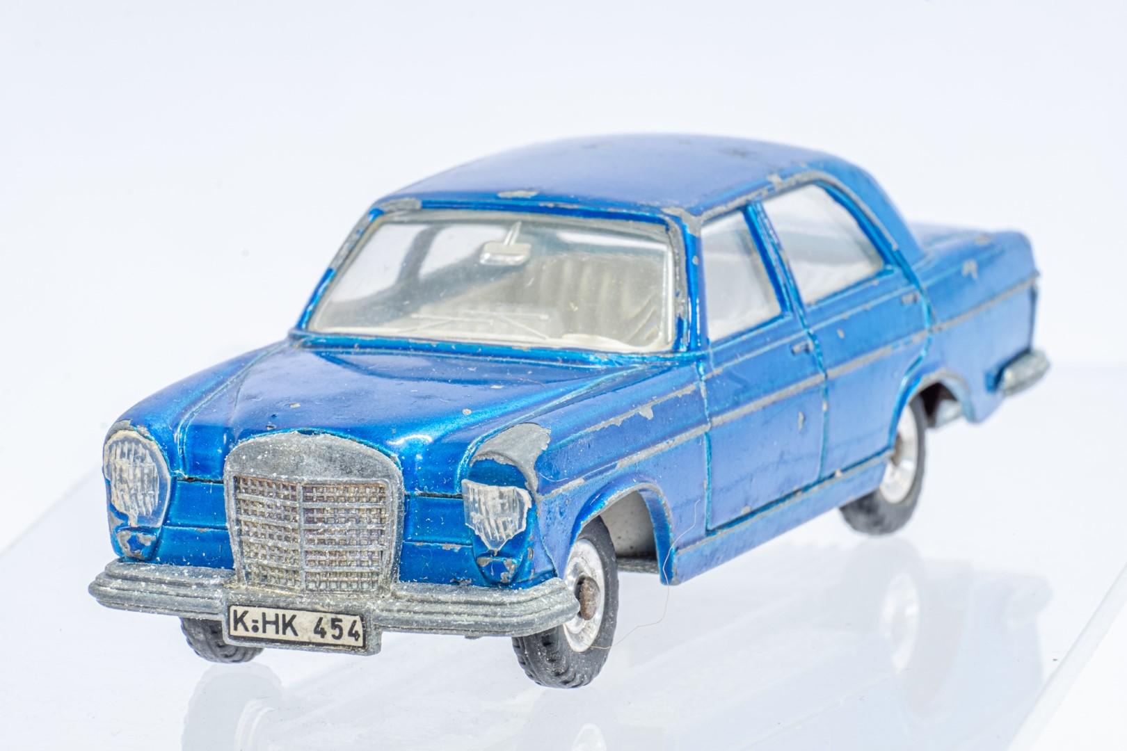 Dinky Mercedes Benz 250 S.E. - Original Box - Image 4 of 7