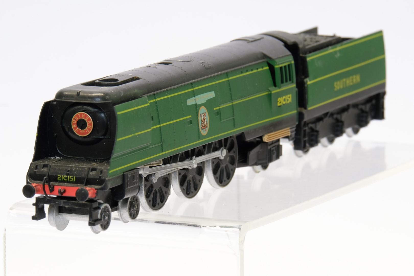 Winston Churchill Locomotive and Tender 21C151 - No Box - No Moving Parts - Image 2 of 4