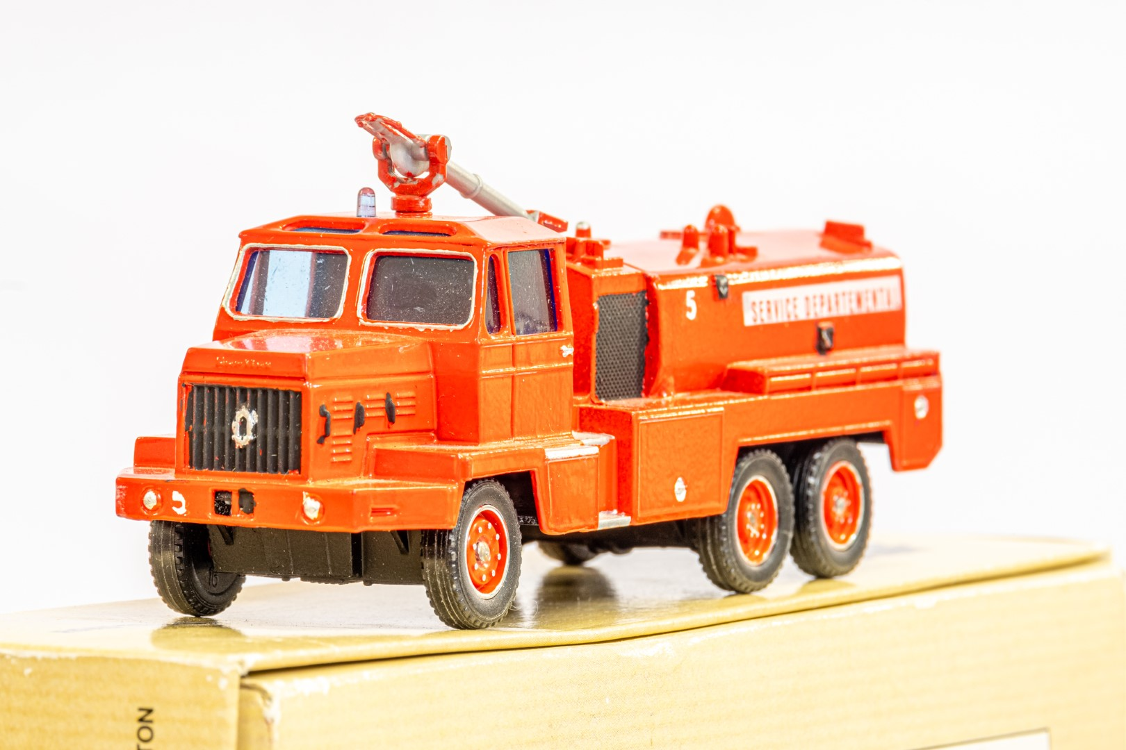 Solido Berliet GBC34 Camiva - Airport Fire - In Wrong Box - Image 4 of 7