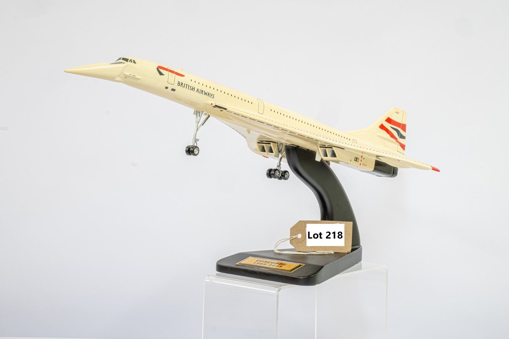 Bravo Delta Models Concorde 1969-2003 Hand carved from kiln dried mahogany, hand painted - Wingspan