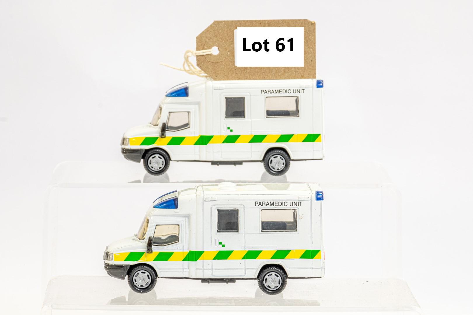 2 x London Ambulances - Unboxed