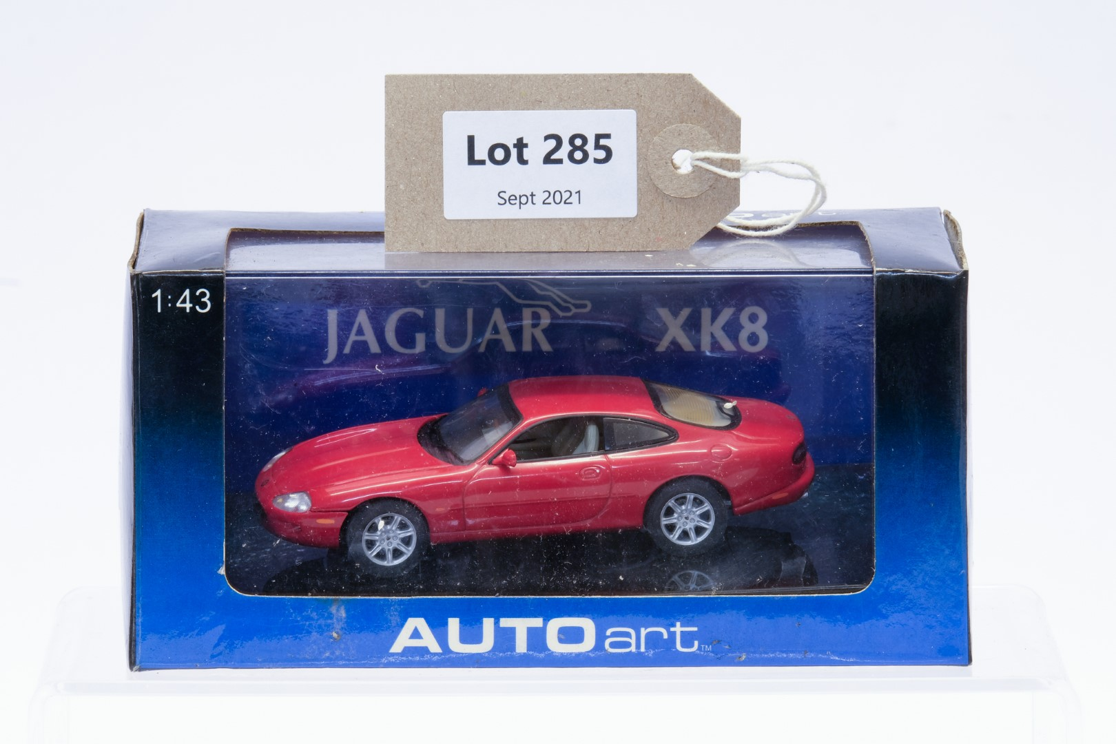 Autoart XK8 Coupe Red
