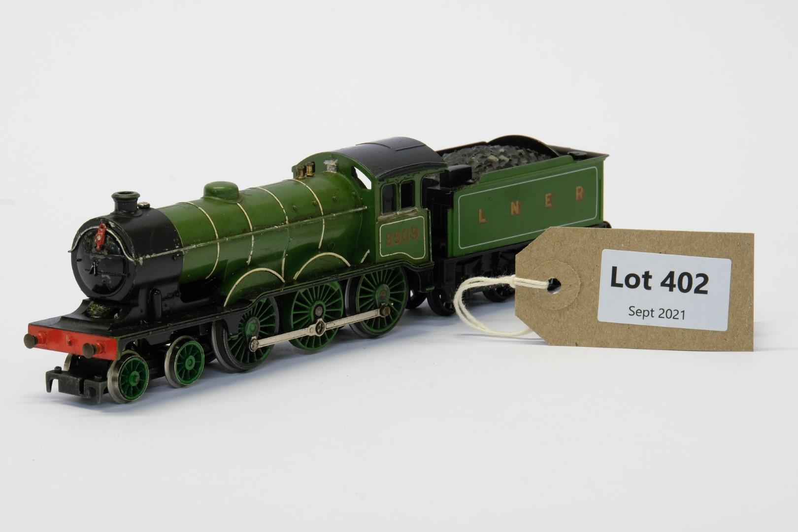 Hornby Class B12 4-6-0 8509 in LNER Green - No Box