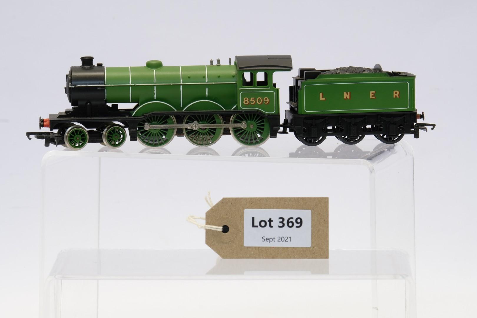 Hornby Class B12 Locomotive And Tender LNER 8509 - No Box