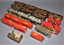 Eighteen 00 gauge goods wagons, Hornby, Mainline and Wrenn, many in original boxes (18).