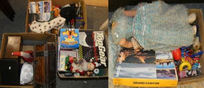 A collection of games, toys to include a tin plate battery operated Father Christmas (4)