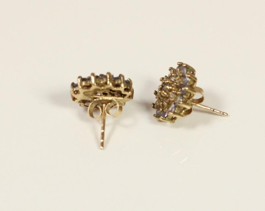 A pair of 9ct gold diamond set triple heart ear studs and another pair of diamond set ear studs, 5. - Image 4 of 5