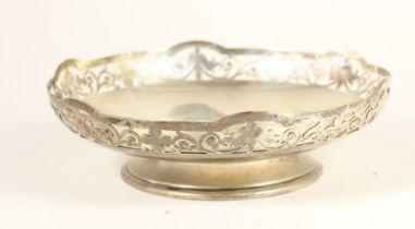 A silver pierced bowl, Sheffield 1944, raised on a pedestal foot, 16.5cm, 7.5oz. Presentation