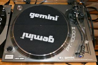A Gemini (PY-1000II) turntable, together with a Gemini (PS-626 Pro2) stereo pre-amp mixer (2),