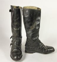 A pair of Lewis Leather Café racer style motorcycle boots, size 9, 40 cm