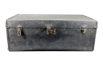 An early 20th century Brooks leatherette travel trunk, 79 x 46 x 29 cm