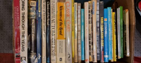 A large collection of motoring books, mainly related to vintage cars (5)