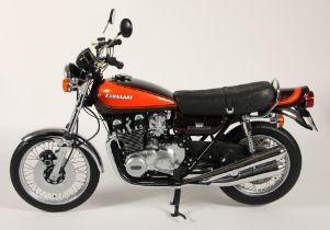 Minichamps 1;6 scale die cast Classic Bike series, Kawasaki 900 Z1, 1973 with red tank, original