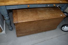 A large stripped pine bedding box, approx. Dimensions W104 x D64 x H53cm