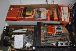 A collection of Hornby and similar 00 gauge including Duchess Class Mail Train part set, boxed R542,