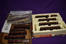 A Hornby 00 gauge limited edition train pack, The Days of Red and Gold comprising 4-6-2 Loco &