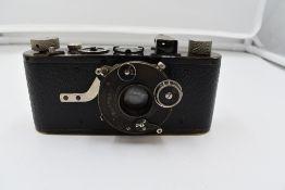 An extraordinarily rare Leica 1B Dial-Set Campur camera in leather case Circa 1927. Serial No 6001