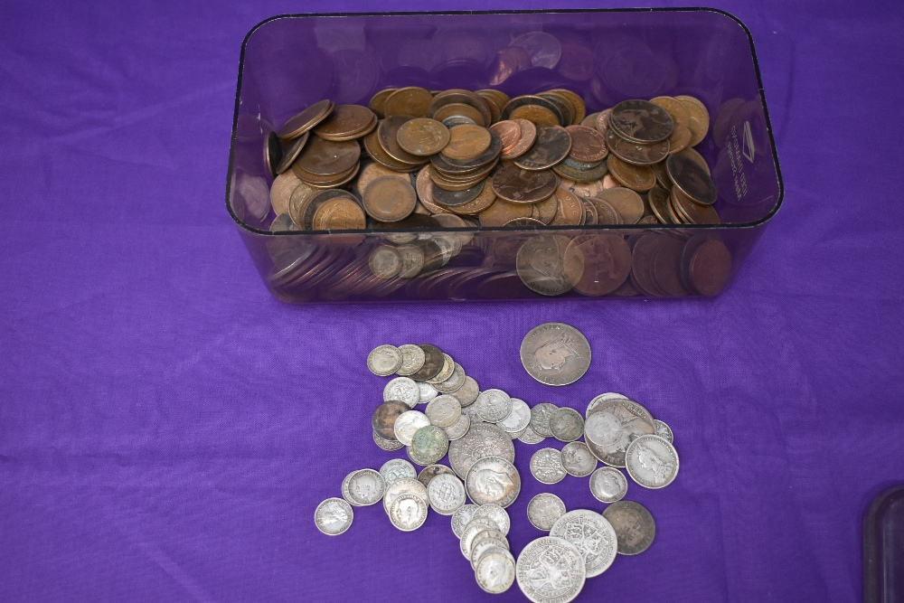 A 1905 Edward VII Gold Half Sovereign and a collection of mainly GB Coins, Pennies, Halfpennies - Image 3 of 5