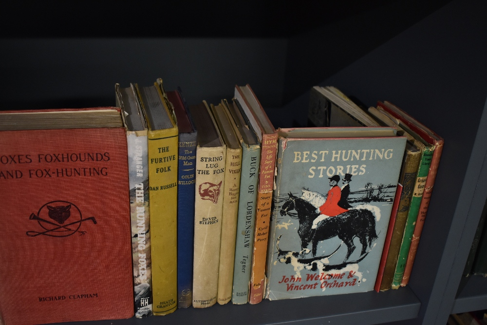 Hunting and Sporting. A large selection; monographs and literature. Condition mixed. (25) - Image 3 of 3