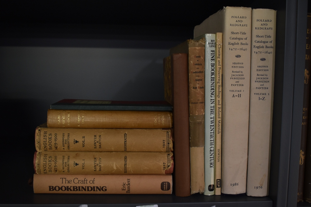Bookbinding and Book History. A selection. (11)