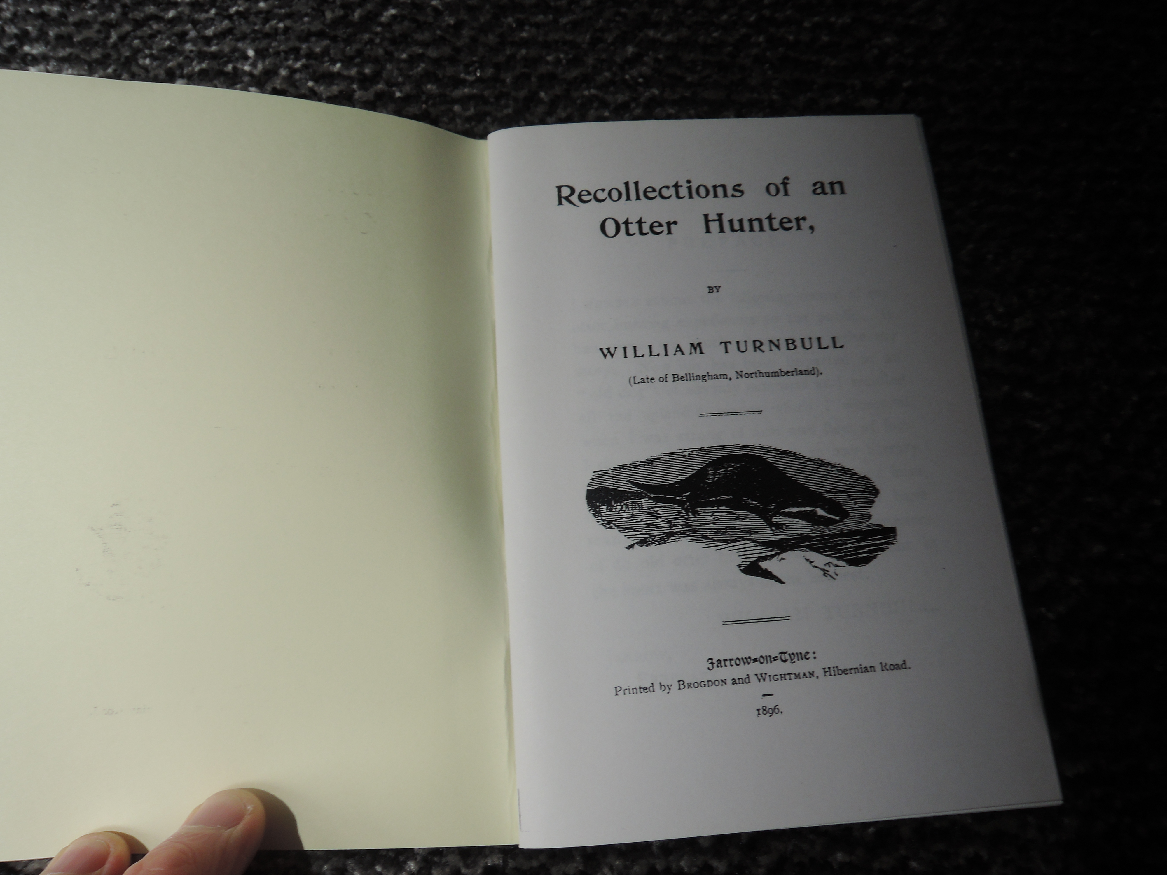 Otter Hunting and related. A large selection, condition mixed. Includes specific Hunt records, - Image 7 of 8