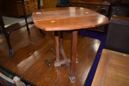A craftsman made drop leaf occasional table, width approx. 53cm