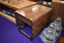 A nice quality Period style oak gateleg table, width approx. 91cm
