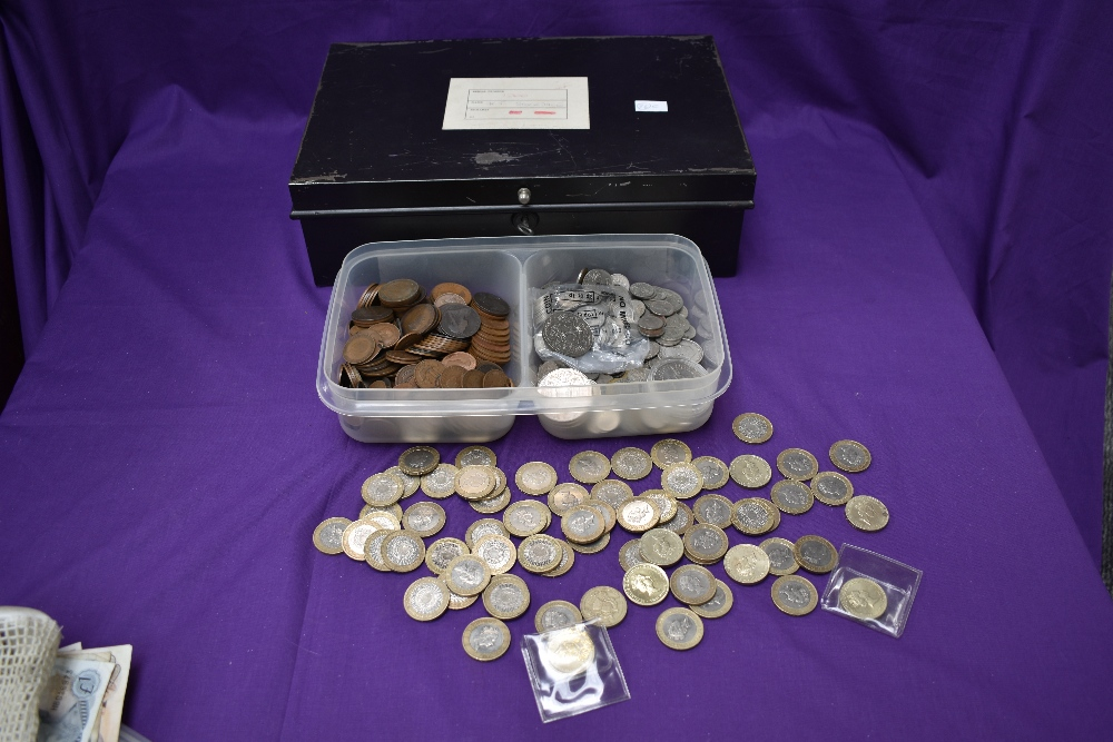 A collection of GB & World Coins and Banknotes including Copper, Silver, Modern £2 & £5 coins, total