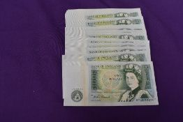 Thirty One consecutive Uncirculated D H F Somerset £1 Banknotes, serial numbers BY63 442867 to