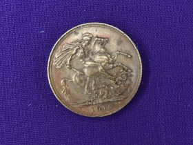 A 1915 George V Gold Sovereign