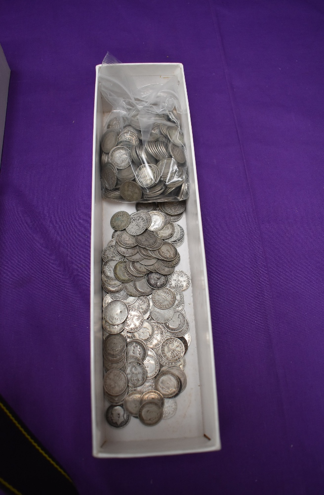 A collection Silver Threepences to include approx 7.5 oz of pre 1920 and 16oz of post 1920