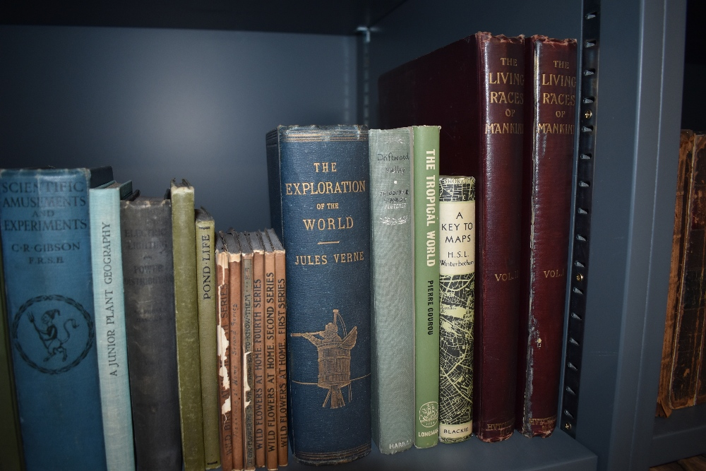 Science and the Natural World. A selection of late 19th and early 20th century monographs. Condition - Image 4 of 4