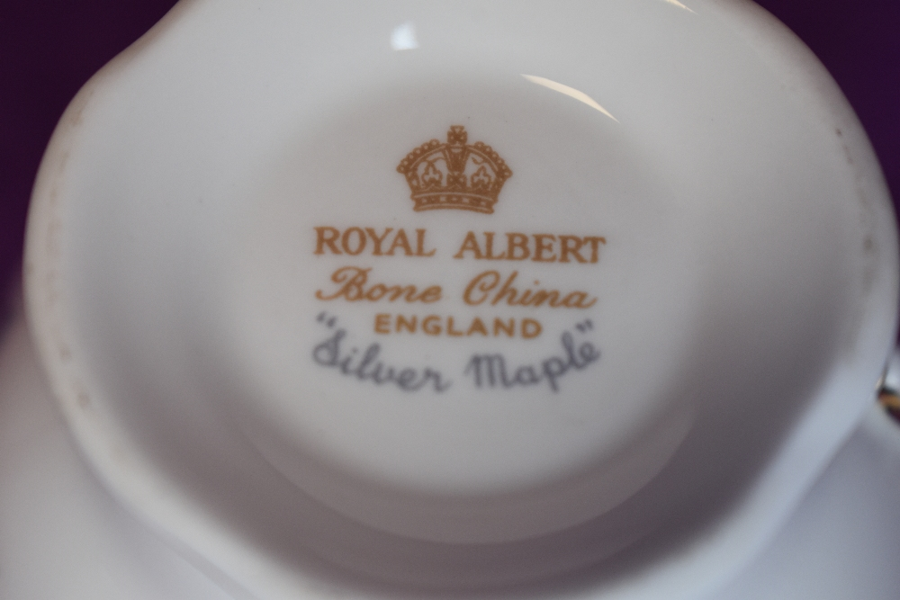 A selection of tea cups and saucers by Aynsley and Crown Royal - Image 2 of 2