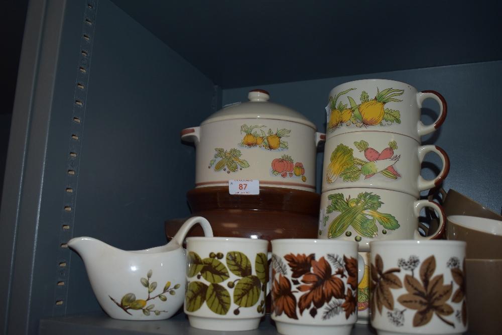 A mixed lot of retro ceramics including soup bowls and mugs.