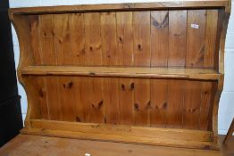A traditional pine delft rack