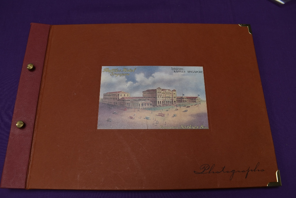 A collection of Ephemera and miscellanaous including Sian and Singapore Postcard Books, Tucks - Image 2 of 5