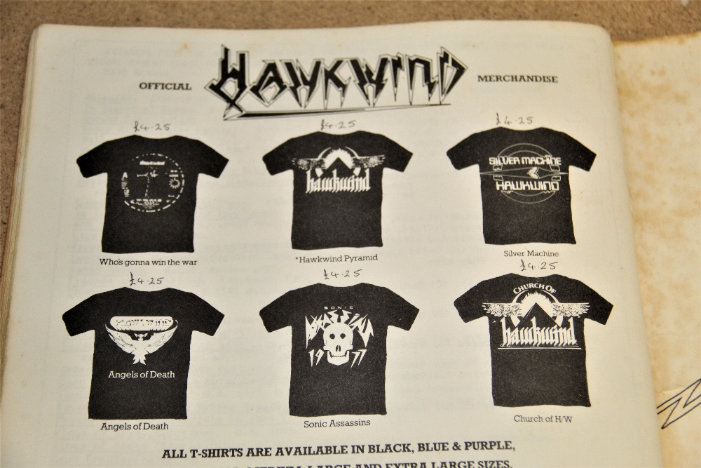 A signed Hawkwind / illustrated lyric book - some wear but regardless a really nice piece - Image 5 of 6