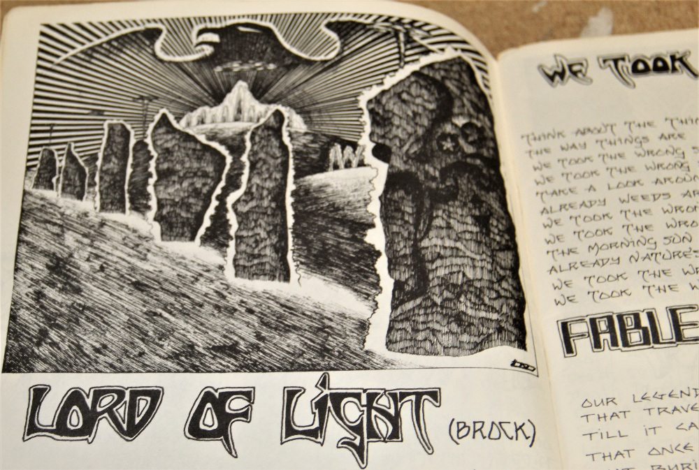 A signed Hawkwind / illustrated lyric book - some wear but regardless a really nice piece - Image 6 of 6