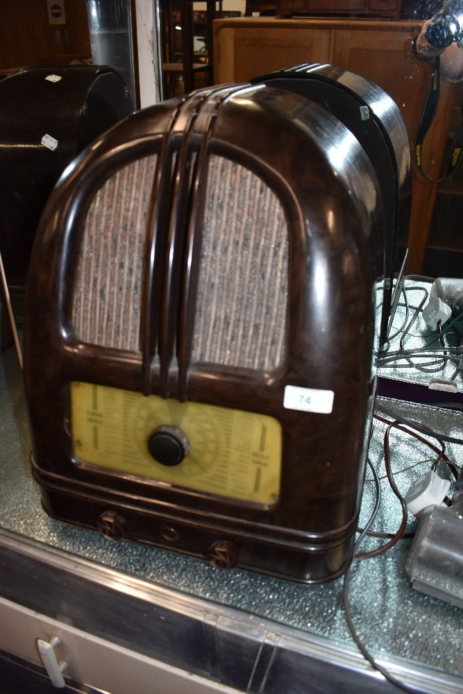 A 1930s Bakelite radio , understood to be a Philco 444
