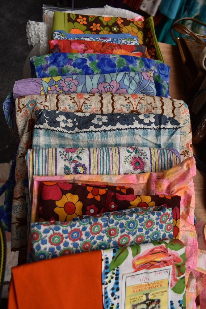 A lovely collection of aprons and overalls, some having original packaging and a lot appearing - Image 9 of 9