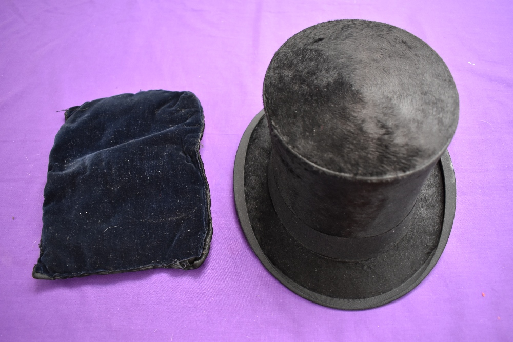 An antique top hat 'R.W.T.K Thompson Kendal' internal measurement approx 21' height approx 5.5',some - Image 2 of 4