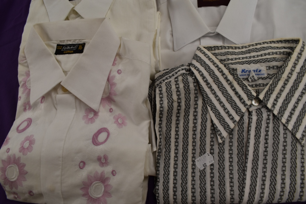 Twenty one gents vintage and retro shirts, a lot still in packaging, various styles and designs. - Image 5 of 10