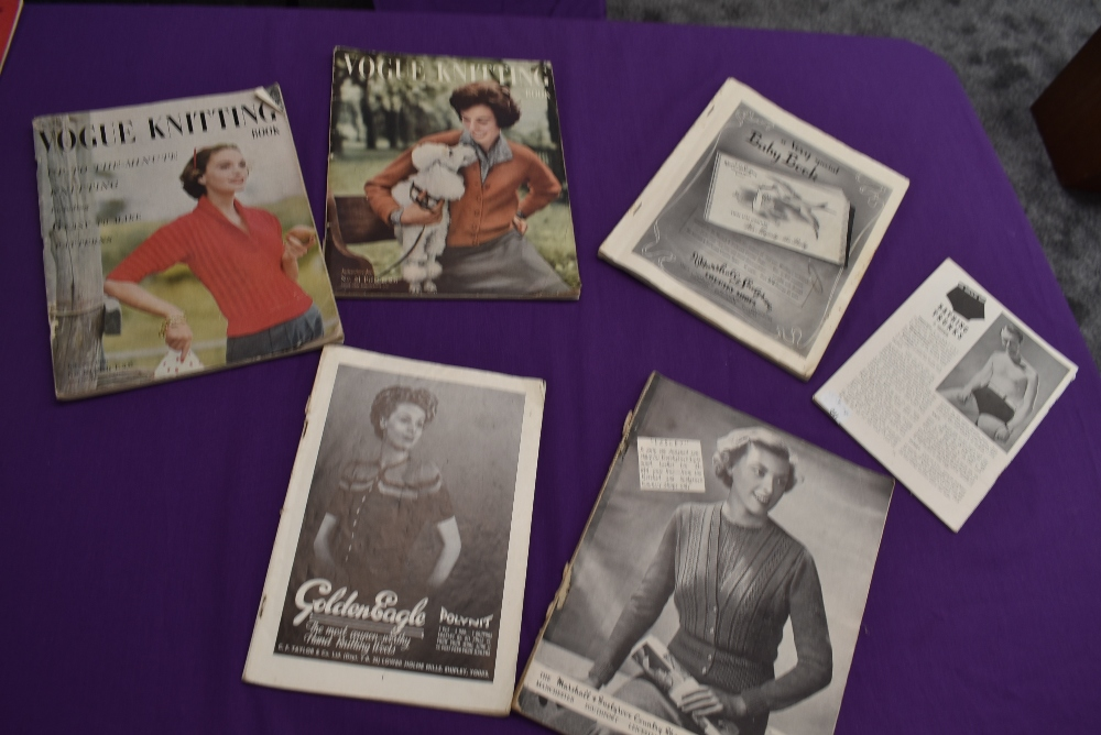 A collection of vintage knitting magazines. - Image 4 of 4