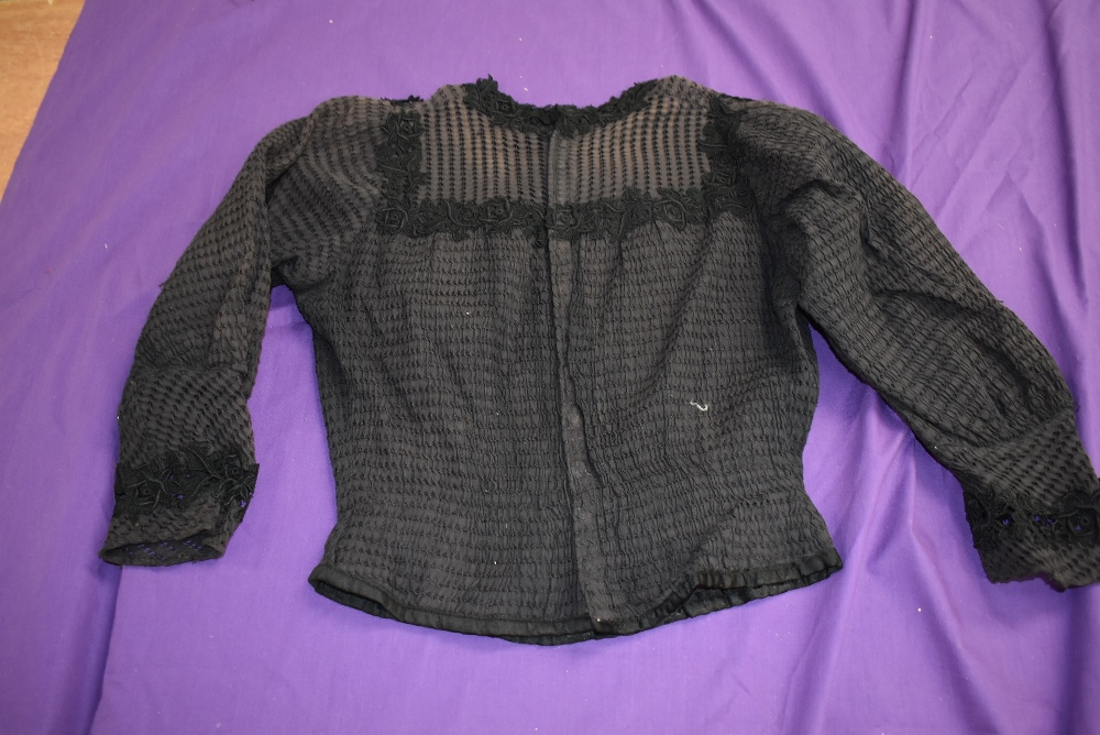 A Victorian mourning dress of silk having deep velvet band to skirt and sleeves, intricate buttons - Image 7 of 7