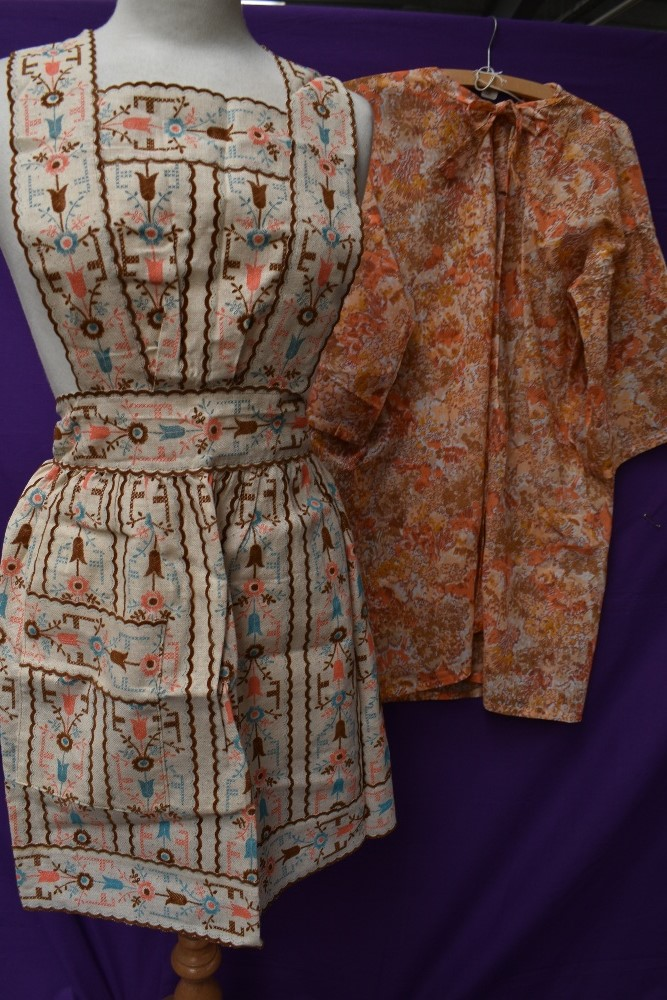 A lovely collection of aprons and overalls, some having original packaging and a lot appearing - Image 8 of 9