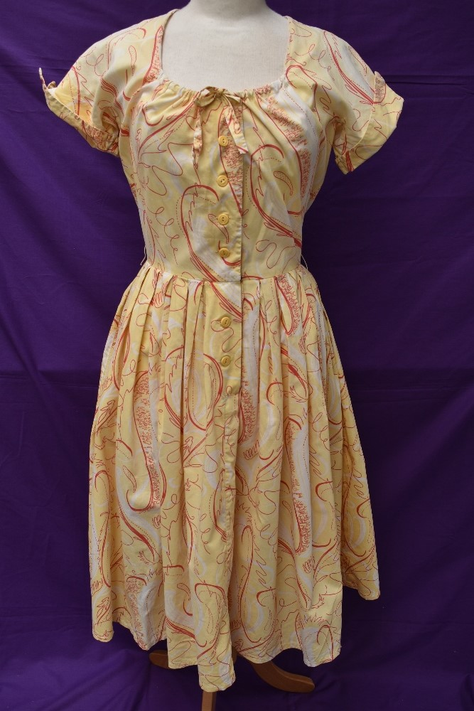 Two scarce and collectable late 1940s Horrockses cotton sun dresses in yellow, both having CC41 - Image 7 of 15