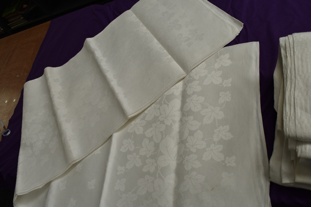 Six antique damask table cloths. - Image 6 of 6