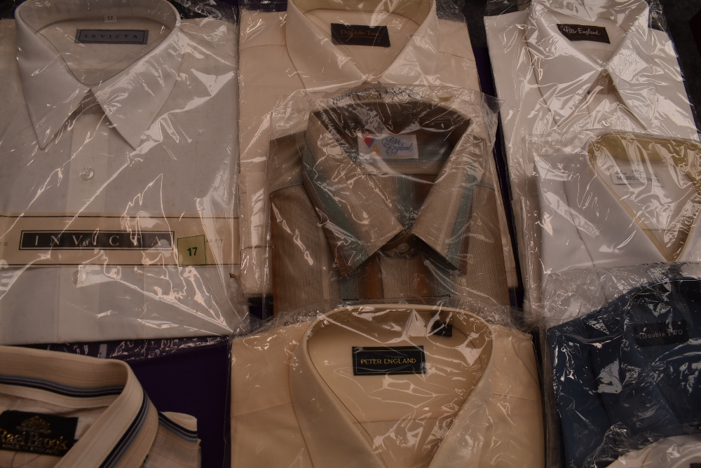 Twenty one gents vintage and retro shirts, a lot still in packaging, various styles and designs. - Image 7 of 10